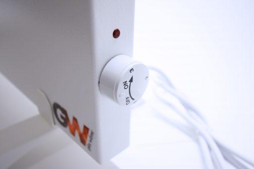 GlasWärmt-Infrarotheizung-Hybrid-weiß-600Watt-600x600x40mm-Light-Detailansicht-1